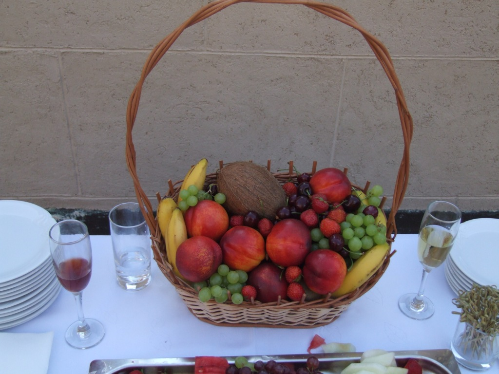 Ovocný kôš na záhradnú párty